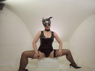 Teressa Bizare masturbate in whitebox – premium clips trailer – 3DVR180 SBS