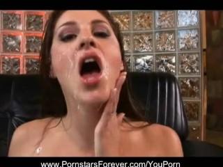 Pornstars Play In Threesomes