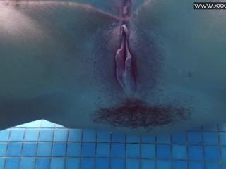 Tiffany Tatum shows hot ass underwater